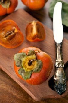 Free Ripe Persimmon Royalty Free Stock Photo - 27159975