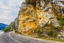 Free Road Along The Danube Rocks Royalty Free Stock Photography - 27159997