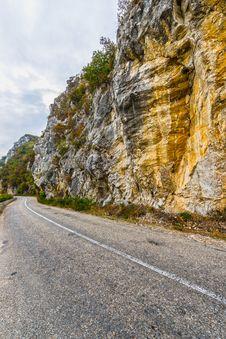 Free Road Along The Danube Stock Photo - 27160000