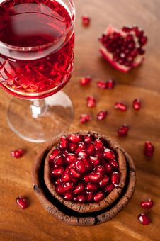 Pomegranate Juice And Seeds Royalty Free Stock Photos