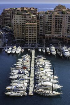 Free Yachts In A Row Stock Image - 27165501