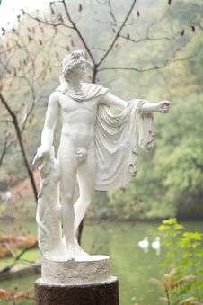 Beautiful Classical Garden Statue Royalty Free Stock Photos