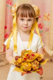 Little Girl With Bouquet Royalty Free Stock Photography