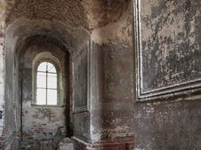Free Interer Of Old Ruined Church. Royalty Free Stock Image - 27172916