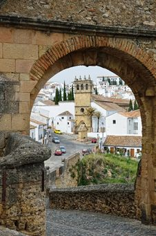 Free Spanish White Town Ronda Near The Old Bridge Royalty Free Stock Photo - 27178325