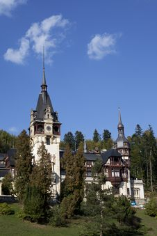 Free Gardens Of Peles Castle Stock Photography - 27178622