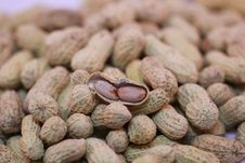 Free Peanuts Stock Photo - 27178790