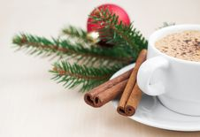 Free Christmas Cappuccino Stock Photography - 27181992