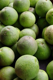 Free Green Pomelo Royalty Free Stock Photography - 27187987