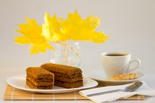 Free Coffee Cup And Sweet Cake With Autumn Leaves Stock Photo - 27192430
