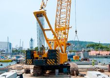 Free The Working Crane In Old Harbour Barcelona, Spain Stock Image - 27196441