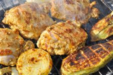 Free Barbecue Grilling At Summer Weekend Royalty Free Stock Photography - 27197917