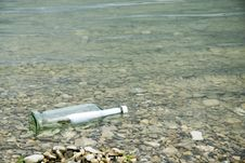 Free Message In A Bottle Royalty Free Stock Images - 2720019