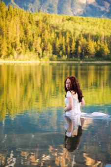 Free Bride In The Water Stock Photography - 2721022