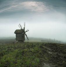Free Windmill Royalty Free Stock Photo - 2724685