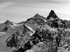 Free Peaks Of French Alps Royalty Free Stock Image - 2727016