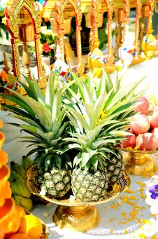 Free Pineapples. Stock Photo - 27202290