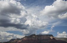 Free Cloudscape Over Sedona Mountains Royalty Free Stock Image - 27206346