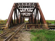 Free Old Abandoned Railroad Bridge. Royalty Free Stock Images - 27206859