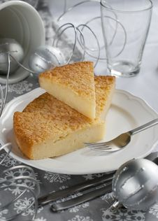 Free Gentle Pie On A Christmas Table Royalty Free Stock Image - 27207936