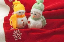Free Two Little Snowmen Royalty Free Stock Image - 27209236