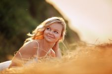 Free Woman In The Hay Royalty Free Stock Images - 27213009