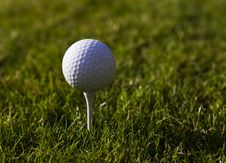 Free Golfball On Tee Royalty Free Stock Images - 27224949