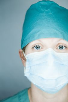 Free Nurse Looking At You Royalty Free Stock Images - 27226259