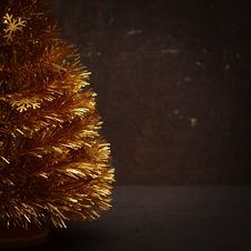 Free Golden Christmas Tree Stock Photo - 27233200