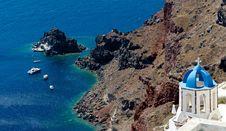 Free Steep Coast Of Santorini Stock Photography - 27235162