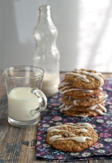 Free Oat Cookies With Milk Royalty Free Stock Photography - 27242547