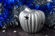 Free Christmas Decorations And Candle Royalty Free Stock Image - 27252876