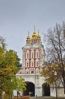 Free Novodevichy Convent Royalty Free Stock Photos - 27261978