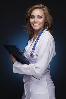 Free Young Doctor Woman With Stethoscope Royalty Free Stock Images - 27267619