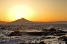 Free Mountain Fuji, Fuji Diamond Royalty Free Stock Photography - 27280217