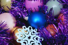 Free Christmas Ornaments Stock Image - 27292911