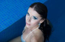 Free The Beautiful Girl In Pool Royalty Free Stock Images - 27299229