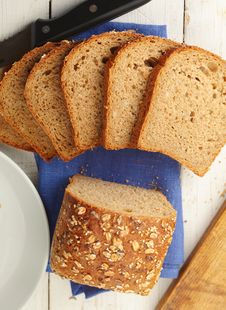 Free Whole Wheat Bread Royalty Free Stock Image - 27299716