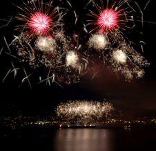 Free Lake Union Fireworks Royalty Free Stock Image - 2733426
