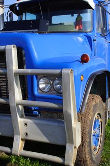Free Small Truck Royalty Free Stock Photos - 2734598