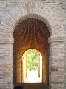 Free Arched Gate Royalty Free Stock Photo - 2737705