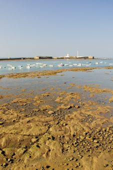 Free Low Tide In The Bay Of Cadiz Royalty Free Stock Photo - 27304475