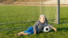 Free Barefoot Youngster With Soccer Ball Royalty Free Stock Photography - 27304557