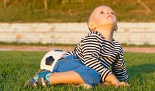 Free Little Boy Looking Up At The Sky Royalty Free Stock Photo - 27305175