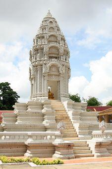 Stupa At The Royal Palace In Phnom Penh Stock Images