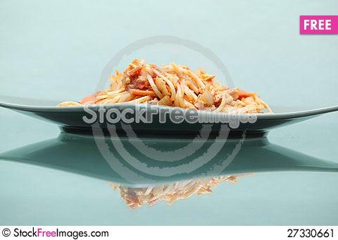 Free Spaghetti On Dish Stock Image - 27330661