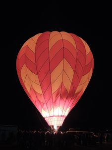 Free Nighttime Hot Air Balloon Glow Royalty Free Stock Photography - 27343487