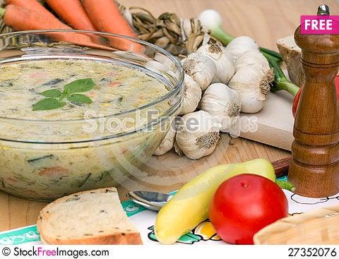Free Vegetarian Broth Royalty Free Stock Image - 27352076