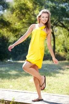 Free Happy Young Woman In A Field Stock Photo - 27371130