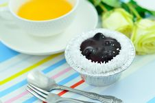 Free Blueberry Cup Cake Royalty Free Stock Photos - 27381288